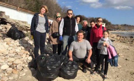 """""""Да направим Варна по-чиста и приветлива"""" или как доброволци почистват всяка неделя"""