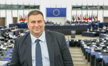 Емил Радев ще се срещне с варненски ученици – посланици на Европейския парламент