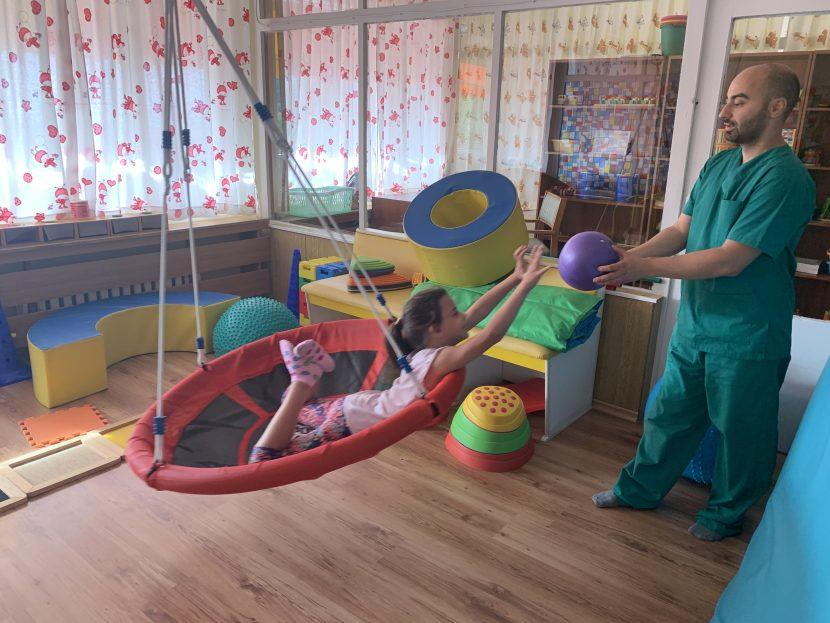 """Ерготерапевт от Дома във """"Виница"""" с безплатен скрининг на развитието на деца"""