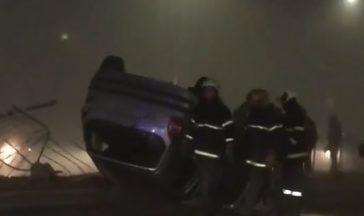 """Среднощен екшън по бул. """"Левски"""" (снимка/видео)"""