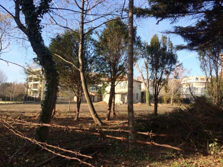 Задава ли се нов строеж в Морската градина във Варна (СНИМКИ)