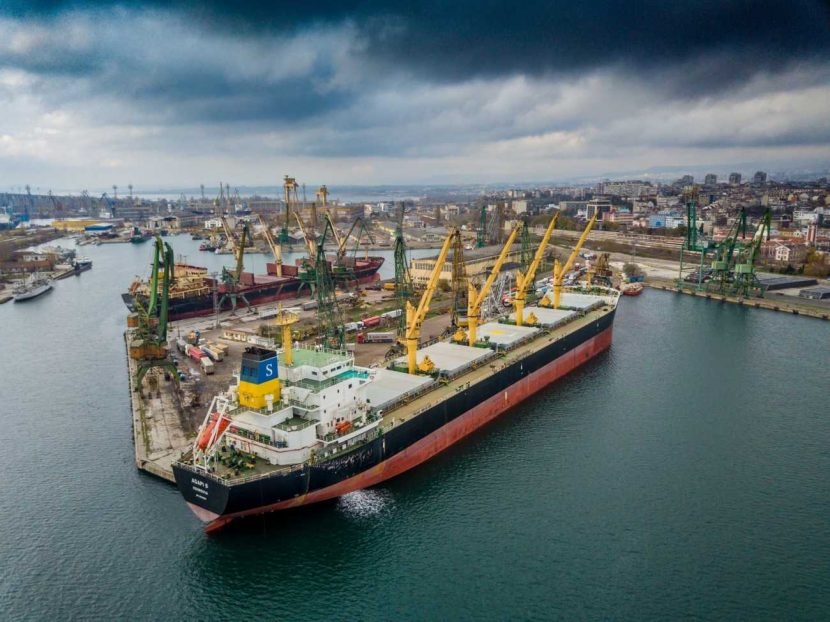 Извънредно! Засякоха контейнер с радиоактивен товар във Варна