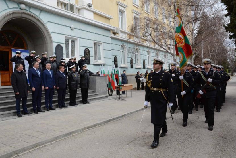 Кметът Иван Портних присъства на награждаване на ВВМУ (снимки)