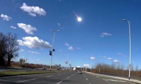 Метеорит избухна над Хърватия (видео)