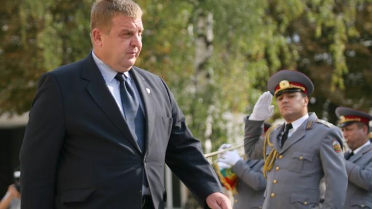 Каракачанов: Договорът за строеж на нови кораби на ВМС може да бъде сключен до август