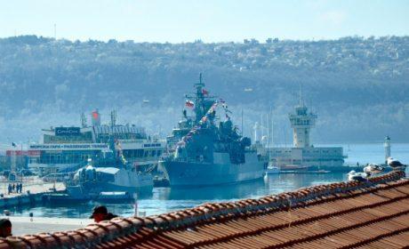 Екипажите на пристигащите кораби да се поставят под карантина