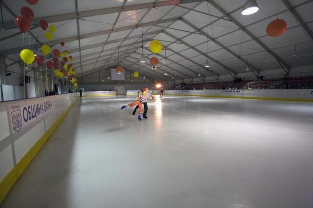 Ледената пързалка във Варна е с безплатен достъп за ученици
