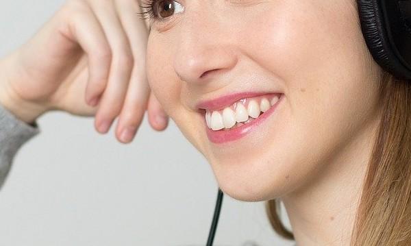 За бяла усмивка: Търговци предлагат опасни средства за избелване