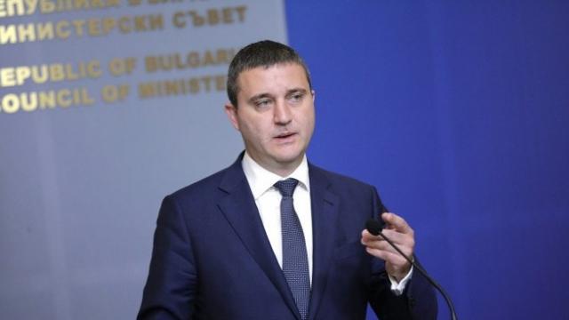 Вл. Горанов: Няма да има мораториум върху кредитите