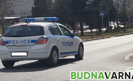 Трима неспазили карантината спипа отново варненската полиция