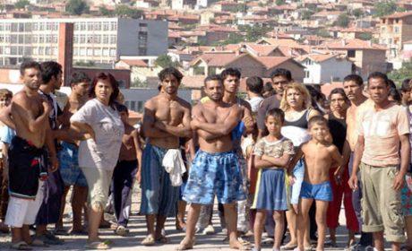 Областният управител: Стотици роми от варненско село са се върнали от Италия