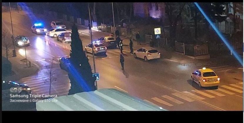Екшън във Варна! Гонка, стрелба и барети пред стотици варненци