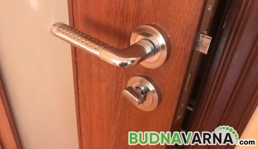 Дизайнери с приспособление срещу Covid-19 – как да отваряме врати без докосване (видео)