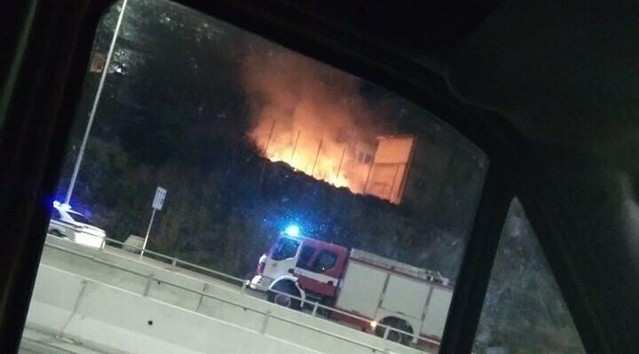 Пожар в Максуда