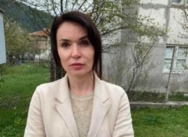 Дрогиран младеж преби адвокатка пред очите на детето й