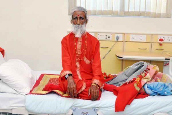 Почина човекът, живял 80 години без храна и вода