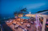 Горещи театрални вечери под звездите в Moonlight Bar & Restaurant
