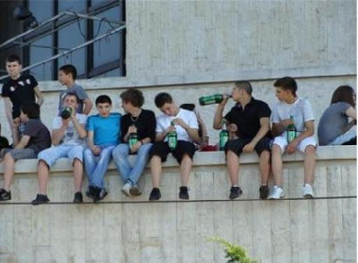 Българските юноши на първите места по пиене, пушене и ранен секс