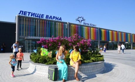Ангелкова: Чакаме туристите по-късно