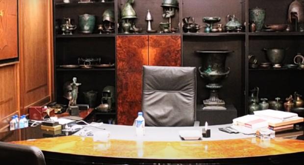 Мира Радева шокирана в офиса на Божков (снимки)