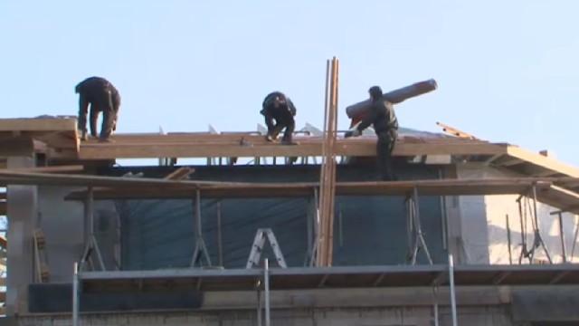 50 български работници живеят на строеж в Германия без вода и тоалетна
