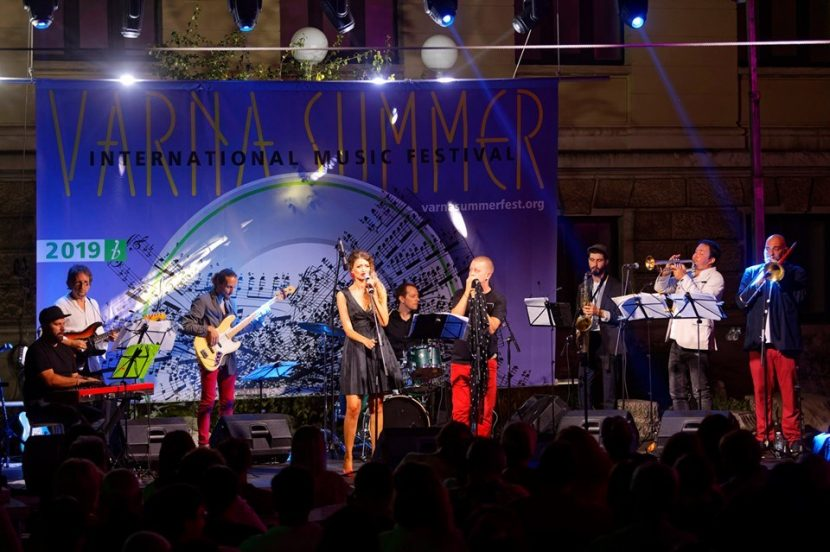 """Днес е откриването на  музикален фестивал """"Варненско лято"""""""