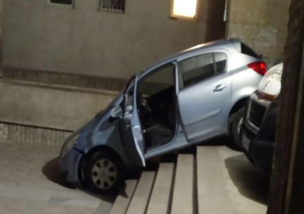 Чудо невиждано! Жена реши за по-бързо да мине през стълбите пред болница