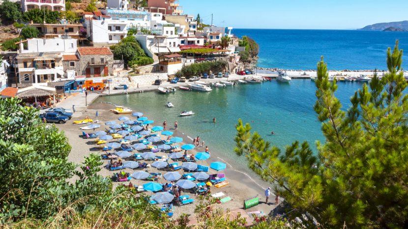 6 случая на туристи с COVID-19 в Гърция, сред тях вероятно са и българи