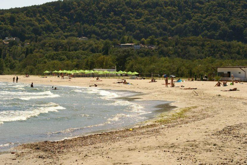 В неделя доброволци почистват Аспарухов плаж