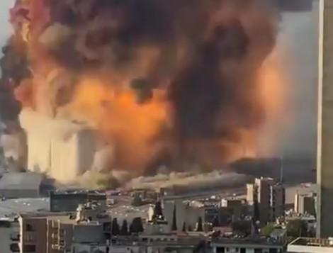 Охранителни камери показват момента на взрива в различни сгради в Бейрут (ВИДЕО)