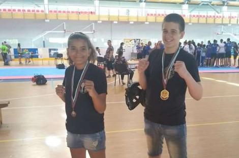 Брат и сестра от Варна се върнаха с медали от държавното по кикбокс