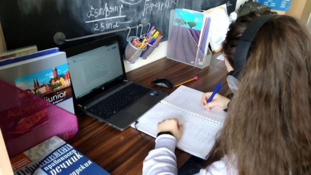 Министър Вълчев каза как ще стартира новата учебна година