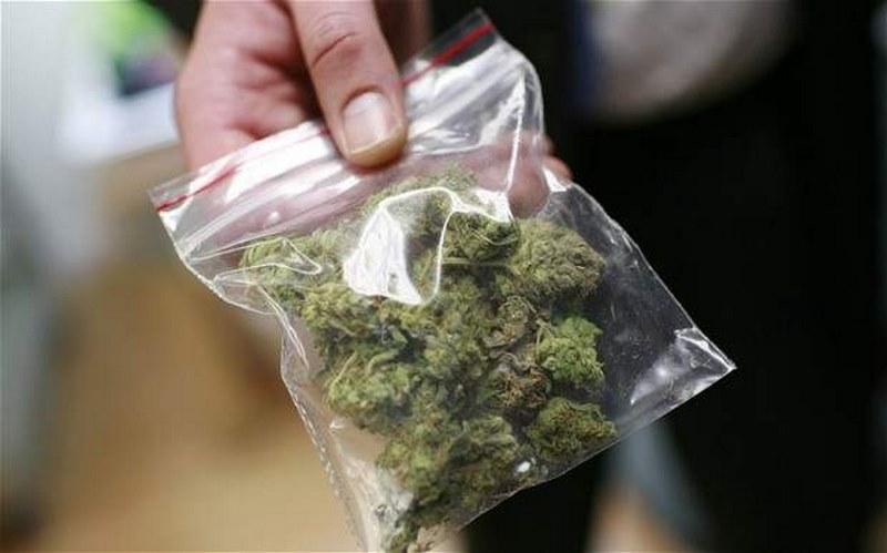 Спипаха млад варненец с торба марихуана до Районен съд