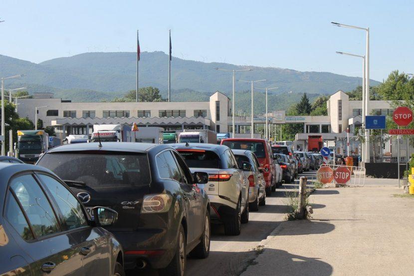 """Километрична опашка на ГКПП """"Кулата"""" за влизане Гърция"""