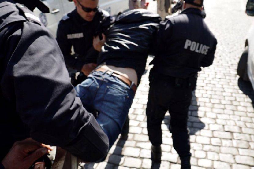 57-годишен мъж буйства пиян на мотокрос в Девня