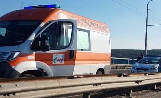 Катастрофа блокира Аспарухов мост (снимки)