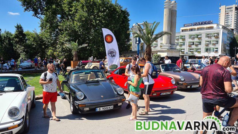 Хиляди варненци разгледаха 100 ретро автомобила (снимки)