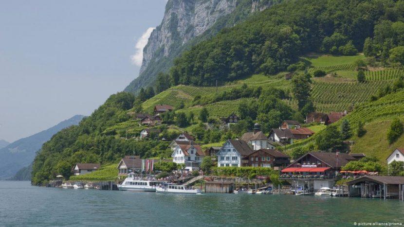 Приказано селце в Швейцария плаща, за да се заселиш в него