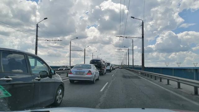 """Адът за варненци започна – минимум месец ремонт на """"Аспарухов мост"""""""