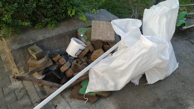 МВР откри преди протеста чували с камъни, бутилки и ножове (снимки)