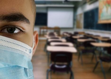 На училище без маска – получаваш забележка или преместване в друго училище