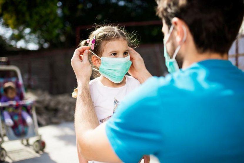 Децата под 5 години не трябва да носят маски, смята педиатър