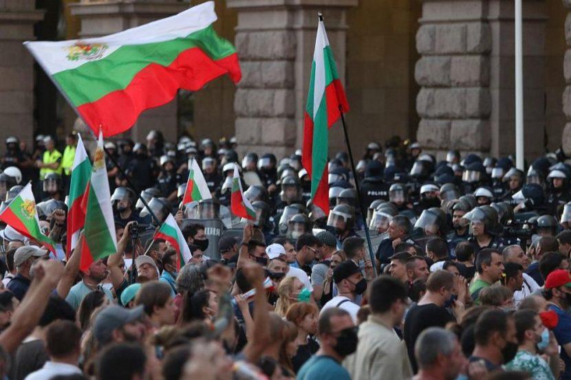 Напрежение на протеста в София
