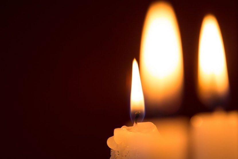 Почина жената, запалена от мъжа си