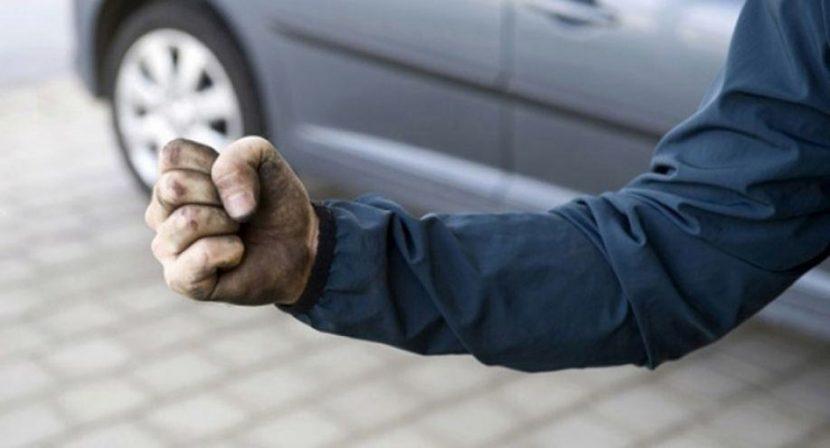 Мъж от с. Константиново заплаши съседите си с убийство и загази