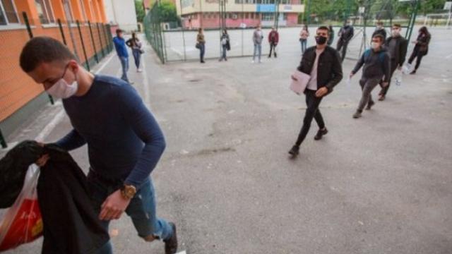 Организират протест и срещу маските в училищата