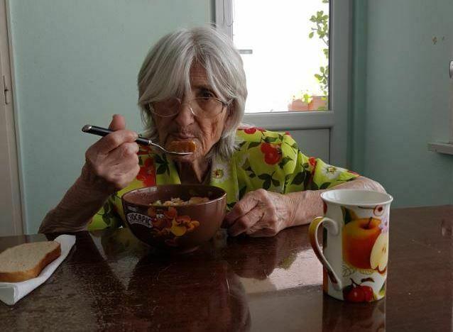 Издирват възрастна жена с деменция, изгубила се във Варна