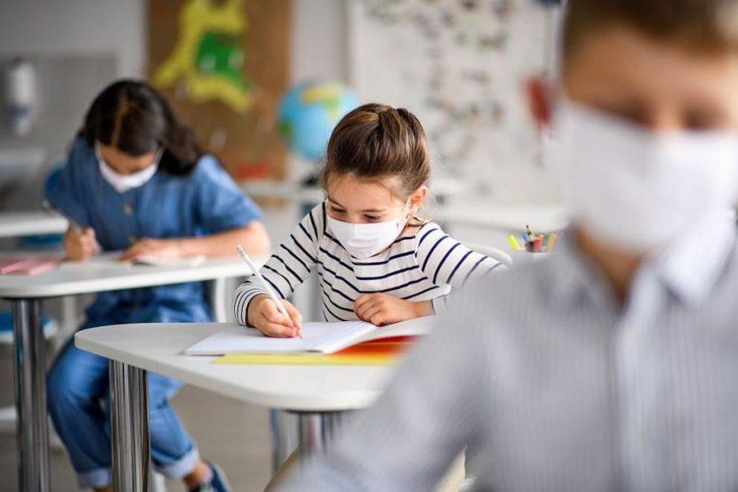 Отпадна идеята за нови мерки, децата от 5 до 7 клас остават в училище