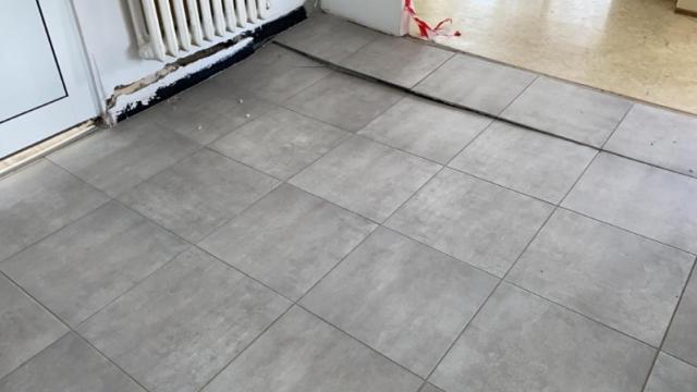 Хлътна подът във варненска детска градина (снимки)