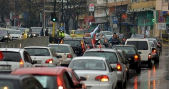 Арменци от Варна излизат на авто-шествие днес срещу войната
